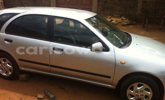 Acheter Occasion Voiture Nissan Almera Gris à Porto Novo au Benin