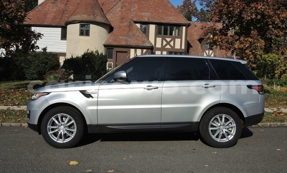 Medium with watermark 2015 land rover range rover sport pic 7324457621477848552 1024x768 convertimage