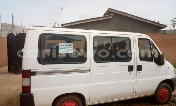 Acheter Occasion Voiture Citroen 2CV Blanc à Cotonou au Benin