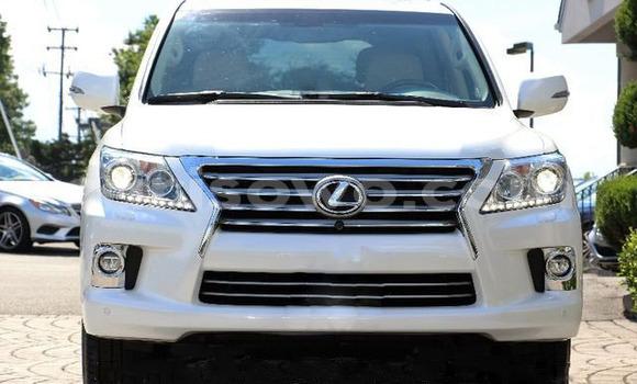Acheter Occasions Voiture Lexus LX Noir à Bembèrèkè au Benin