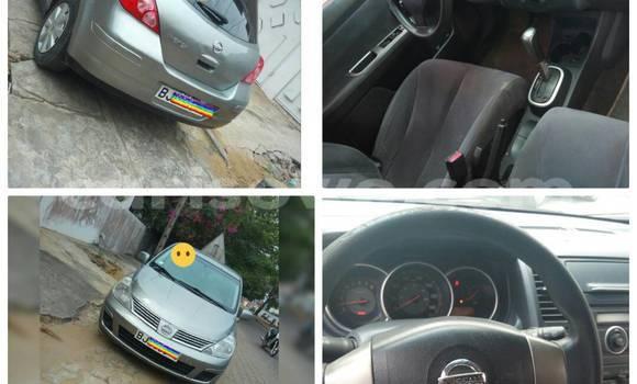Acheter Occasion Voiture Nissan Versa Gris à Cotonou au Benin