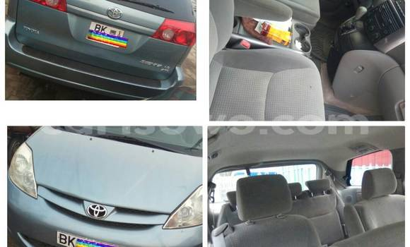 Acheter Occasion Voiture Toyota Sienna Gris à Cotonou au Benin