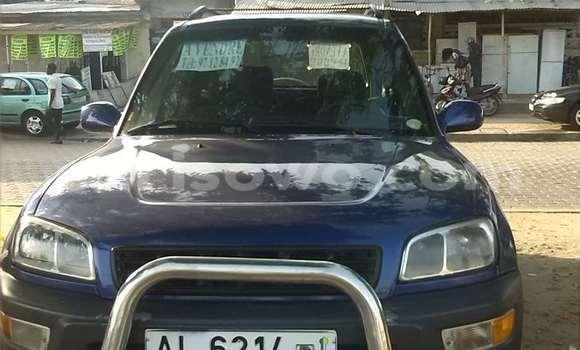 Acheter Occasions Voiture Toyota RAV4 Bleu à Cotonou au Benin