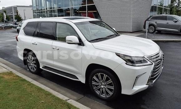 Acheter Occasion Voiture Lexus LX Blanc à Bembèrèkè au Benin