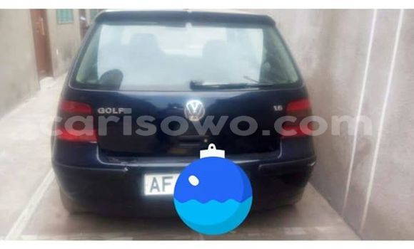 Acheter Occasions Voiture Volkswagen Golf Bleu à Cotonou au Benin