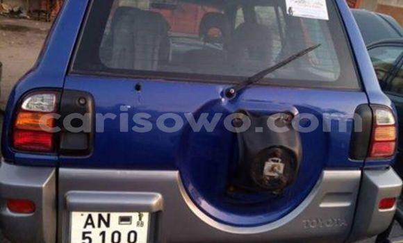 Acheter Occasion Voiture Toyota RAV4 Bleu à Cotonou au Benin