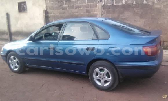 Sayi Na hannu Toyota Carina Blue Mota in Parakou a Benin