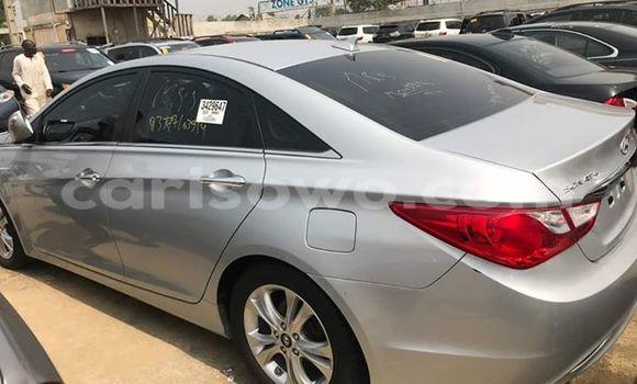 Acheter Occasion Voiture Hyundai Sonata Gris à Cotonou au Benin