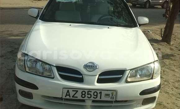 Acheter Occasion Voiture Nissan Almera Blanc à Cotonou au Benin