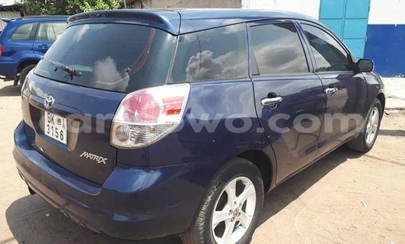 Acheter Occasions Voiture Toyota Matrix Bleu à Abomey Calavi au Benin