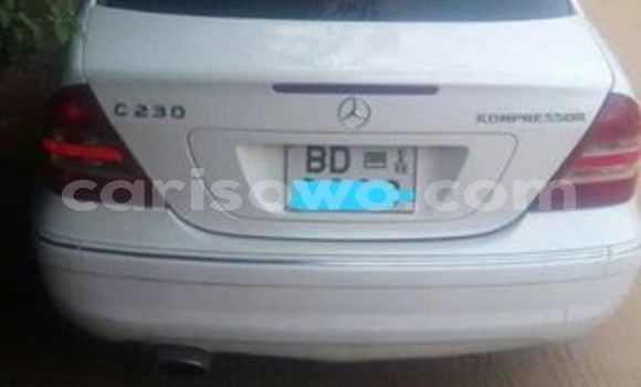 Acheter Occasion Voiture Mercedes‒Benz C–Class Blanc à Cotonou, Benin