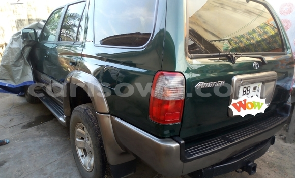 Acheter Occasion Voiture Toyota 4Runner Vert à Cotonou, Benin