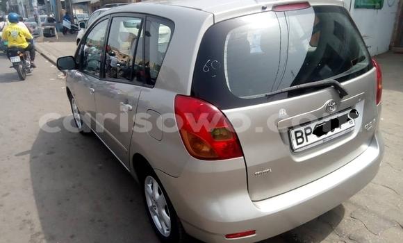 Acheter Occasion Voiture Toyota Corolla Verso Gris à Cotonou, Benin