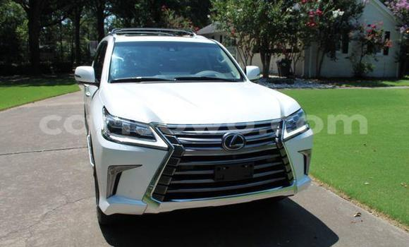 Medium with watermark 2016 lexus lx 570 3