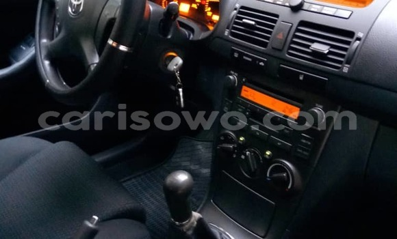 Buy Used Toyota Avensis Blue Car in Cotonou in Benign