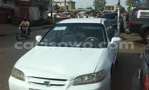 Acheter Occasions Voiture Honda Accord Blanc à Cotonou au Benin