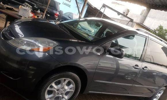 Acheter Occasion Voiture Toyota Sienna Bleu à Cotonou, Benin
