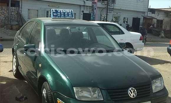 Acheter Occasions Voiture Volkswagen Polo Vert à Cotonou au Benin