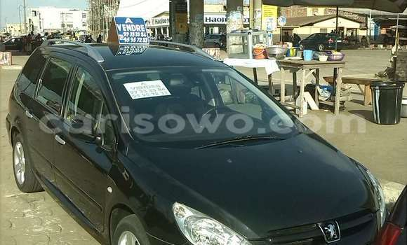 Acheter Occasions Voiture Peugeot 307 Bleu à Cotonou au Benin