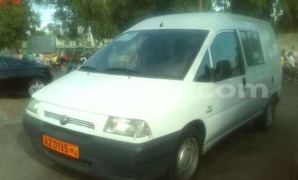Acheter Occasions Voiture Fiat Punto Blanc à Cotonou au Benin