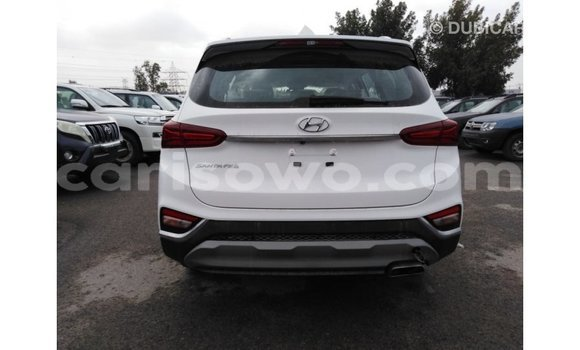 Acheter Importé Voiture Hyundai Santa Fe Blanc à Import - Dubai, Benin