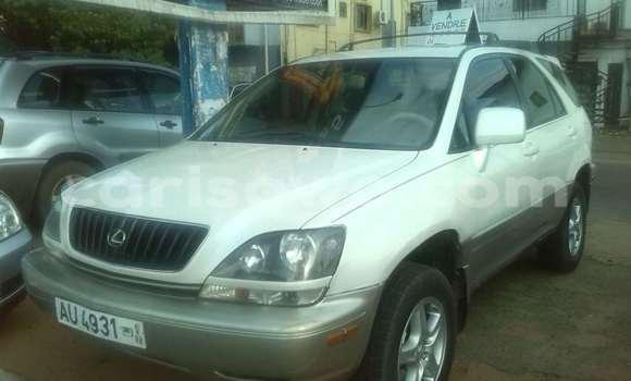 Acheter Occasions Voiture Lexus RX 300 Blanc à Cotonou au Benin