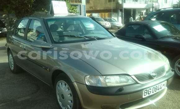 Acheter Occasion Voiture Opel Astra Marron à Cotonou au Benin