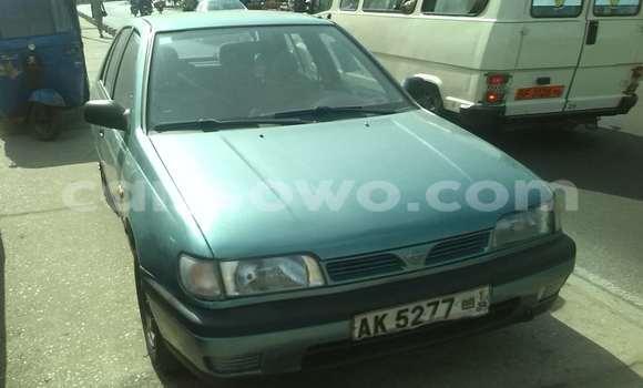 Acheter Occasion Voiture Nissan Sunny Vert à Cotonou au Benin
