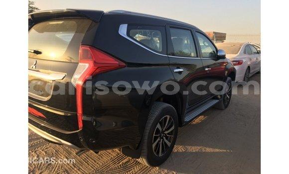 Acheter Importé Voiture Mitsubishi Montero Noir à Import - Dubai, Benin