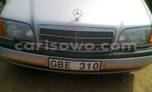 Acheter Occasions Voiture Mercedes‒Benz C–Class Gris à Porto Novo au Benin