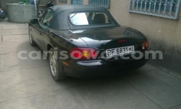 Acheter Occasions Voiture Mazda 323 Noir à Cotonou au Benin
