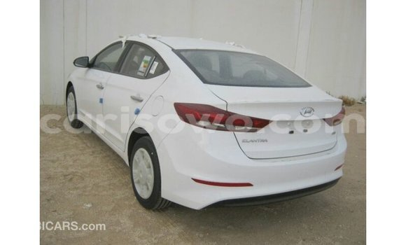 Acheter Importé Voiture Hyundai Elantra Blanc à Import - Dubai, Benin