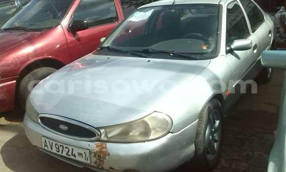 Acheter Occasions Voiture Ford Club Wagon Gris à Cotonou au Benin