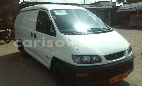 Acheter Occasion Voiture Mitsubishi L200 Blanc à Cotonou au Benin