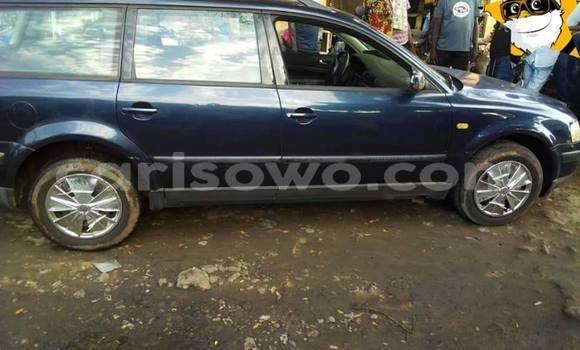 Acheter Occasion Voiture Volkswagen Passat Bleu à Cotonou, Benin