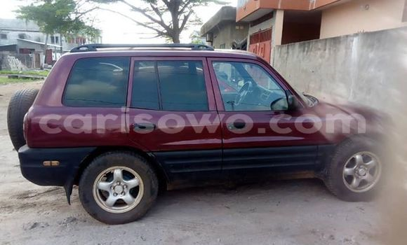 Acheter Occasion Voiture Toyota RAV4 Rouge à Cotonou, Benin
