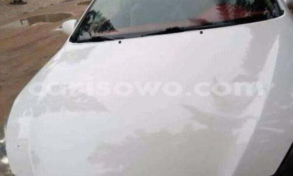 Acheter Occasion Voiture Toyota Solara Blanc à Cotonou, Benin