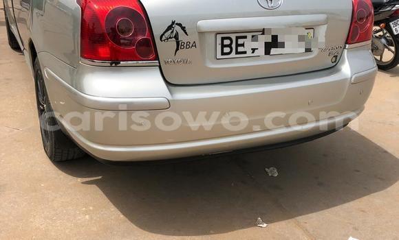 Sayi Na hannu Toyota Avensis Azurfa Mota in Cotonou a Benin