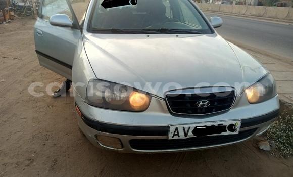 Sayi Na hannu Hyundai Elantra Azurfa Mota in Cotonou a Benin