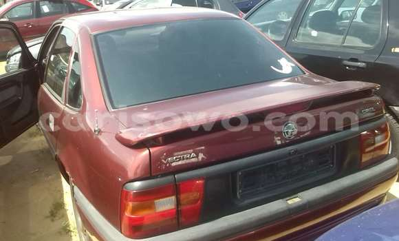 Acheter Occasion Voiture Opel Vectra Rouge à Porto Novo au Benin