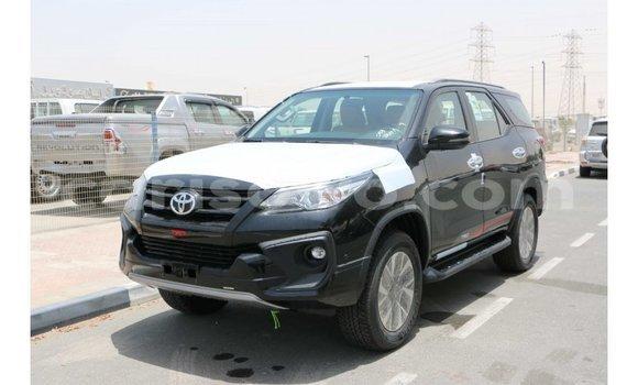 Acheter Importé Voiture Toyota Fortuner Noir à Import - Dubai, Benin