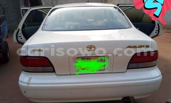 Acheter Occasion Voiture Toyota Avalon Blanc à Cotonou, Benin