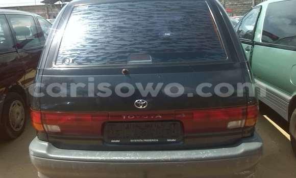 Acheter Occasion Voiture Toyota Previa Vert à Porto Novo au Benin