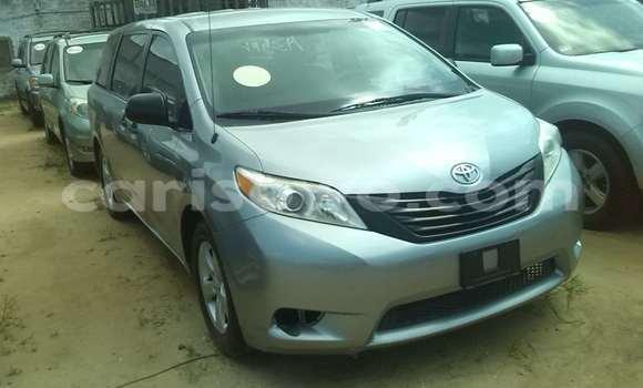 Acheter Occasion Voiture Toyota Hilux Gris à Porto Novo, Benin