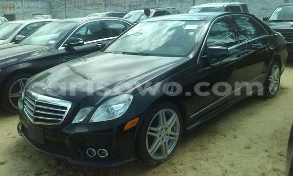 Acheter Occasion Voiture Mercedes‒Benz 300CD Noir à Porto Novo au Benin
