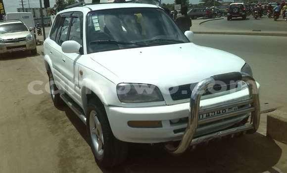 Acheter Occasion Voiture Toyota RAV4 Blanc à Cotonou, Benin