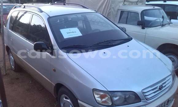 Acheter Occasion Voiture Toyota Corolla Noir à Abomey Calavi, Benin