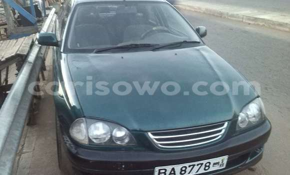 Acheter Occasions Voiture Toyota Avensis Vert à Abomey Calavi au Benin