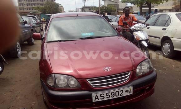 Acheter Occasion Voiture Toyota Avensis Rouge à Cotonou au Benin