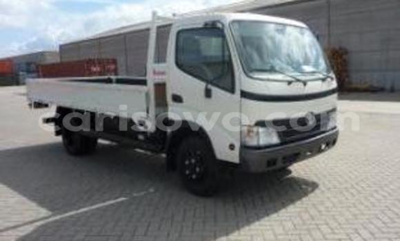 Acheter Occasion Voiture Toyota Venza Blanc à Cotonou au Benin